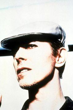 1995 - David Bowie 90s (photo by Enrique Badulescu).