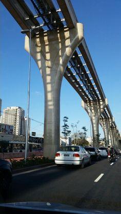São Paulo - Estação do Metrô Vila Prudente - estruturas da construção do monotrilho