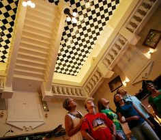 WonderWorks Orlando contains interactive exhibits on the themes of space, physic and math, presented in a fun way.