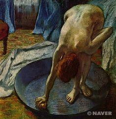 """에드가 드가, """"욕조 안의 여인"""", 1886, 유화, 파스텔화, 힐-스테드 박물관.  일상적인 여인의 모습을 적나라하게 보여준다. 아름답다거나 우아한 미인의 분위기는 결코 찾아볼 수 없다. 하지만 이것이 일상적인 일이며, 현실이다."""