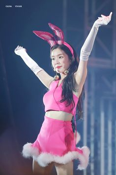Seulgi, Red Velvet アイリーン, Red Velvet Irene, Kpop Girl Groups, Korean Girl Groups, Kpop Girls, Stage Outfits, Kpop Outfits, Asian Woman