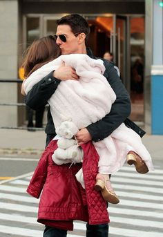 Suri Cruise Photos Photos: Tom Cruise and Suri at the Chelsea Piers Playground 2 Tom Cruise Kids, Tom Cruise And Suri, Tom Cruise Hot, Family Cruise, Young Celebrities, Celebs, Papa Razzi, Celebrity Moms, Celebrity Children