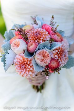 Bridal bouquet #vintagewedding #lionscrestmanor #ElegantImages #coloradowedding #mountainvenue