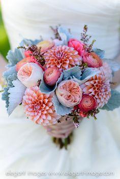 Bridal bouquet #vintagewedding #lionscrestmanor #ElegantImages #coloradowedding #mountainvenue