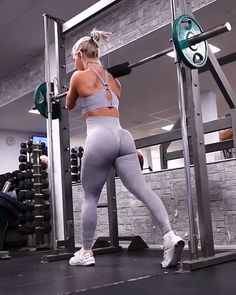 Find your perfect workout plan. Evidence-based fitness information that is personalized to your needs. Step Workout, Gym Workout Videos, Gym Video, Workout Humor, Butt Workout, Gym Workouts, At Home Workouts, Workout Women, At Home Workout Plan