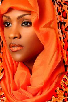 Hermosa combinación de rostro y colores!