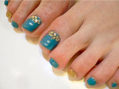 Turquoise Toe Nails with Gold Glitter