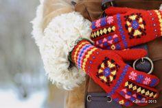 Roositud sõrmikud. Punased kindad. Handmade gloves.