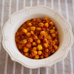 Many people would like to find out about indian cooking beef curry. Well that is what our web site is all about. So click through and see how we can help you. Chana Masala, Appam Recipe, Comida India, Indian Cookbook, Fried Fish Recipes, Beef Curry, How To Cook Beef, Indian Food Recipes, Ethnic Recipes
