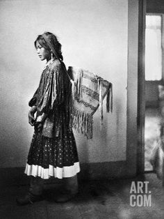 """The Apache tribe is noted among Native Americans for the bravery with which they initially faced the arrival of the """"white man. Native American Pictures, Native American Women, American Indian Art, Native American History, Native American Indians, Native Americans, American Pride, Apache Indian, Native Indian"""