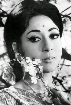 Mala Sinha. Bengali Actress Photographs PRIYANKA CHOPRA PHOTO GALLERY  | PBS.TWIMG.COM  #EDUCRATSWEB 2020-06-07 pbs.twimg.com https://pbs.twimg.com/media/EZwf7XzWsAAKQYY?format=jpg&name=medium