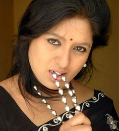 Spicy Looks Beauty Full Girl, Beauty Women, Beautiful Housewife, Saree Poses, Beautiful Blonde Girl, Hottest Pic, Actresses, Bro