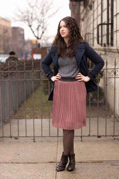 Orthodox Jewish Women Find New Ways to be Fashionable in Crown Heights - Fashionista Indie Outfits, Modest Outfits, Modest Clothing, Woman Clothing, Work Outfits, Modesty Fashion, Women's Fashion Dresses, Orthodox Jewish, Jewish Girl