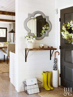 Even if your home doesnt have a foyer, these DIY solutions will help you hack your way to an entryway. We found small-space solutions -- like hanging shelves, narrow tables, and cute cubbies -- so you can store more in your faux entryway with style. Home Narrow Table, Small Space Table, Small Space Furniture, Small Space Interior Design, Diy Casa, Small Space Solutions, Foyer Decorating, Decorating Ideas, Decor Ideas