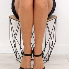 1045f579eb95 Archívy Dámske sandále - Stránka 3 z 18 - WoMan.sk. Sandále. Letné sandále  nízke čiernej farby ...