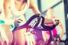 Spinning oder Indoorcycling ist ein wirkungsvolles Ausdauertraining, das zu Musik auf fest im Raum stehenden Bikes absolviert wird. Durch die Tempos, die die vom Instructor ausgewählten Musiktracks...