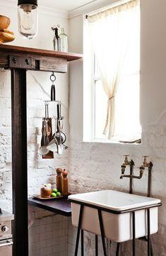 .:  sink + bricks  :.