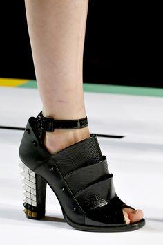 8661b95bc78fc9 Fendi - PRINTEMPS-ÉTÉ 2013 Cheap Designer Shoes