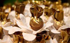 50 docinhos de casamento em cinco tendências - Cerimônia e Festa - iG Wedding Sweets, Wedding Cupcakes, Chocolates, Cake & Co, Cake Boss, Chocolate Dipped, Marzipan, Mini Cakes, Caramel Apples