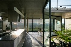 Gallery of LEnS House / Obra Arquitetos - 12