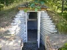 Earthbag root cellar. This probably cost less than $300 and took a day to build. #home #decor