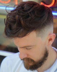 capelli uomo 2018- mossi sfumati Tagli Di Capelli Popolari ec698d721006