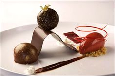 Chocolat vs quenelle - Visions Gourmandes