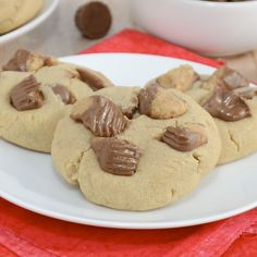 Reese's Peanut Butter Cookies {Sweet Pea's Kitchen}