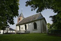 De kerk van Zuurdijk is zeker van 1287, maar later gevonden bouwsporen maken het aannemelijk dat de kerk een jaar of vijftig ouder is | Zuurdijk | Groningen