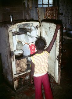 Photo Gallery of Jacob Holdt - USA index Underclass despair, hunger and apathy Poverty Photography, Documentary Photography, Latino News, African American News, American Girl, World Poverty, Life Isnt Fair, Poor Children, Hungry Children