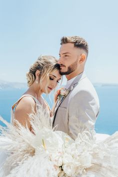 Image gallery, description, and supplier list of a beautiful celestial elopement in Santorini planned and styled by The Stars Inside. Beach Wedding Bouquets, Beach Wedding Photos, Beach Wedding Decorations, Seaside Wedding, Beach Wedding Favors, Destination Wedding, Wedding Planner, Morgan Davies Bridal, Celestial Wedding