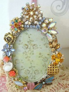 Vintage jeweled frame...via vintagedragonfly Mosaics. Check out their Facebook page. Costume Jewelry Crafts, Vintage Jewelry Crafts, Jewelry Frames, Jewelry Art, Jewlery, Beaded Bouquet, Mirror Crafts, Button Art, Handmade Decorations