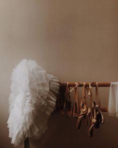 Dance It Out, Just Dance, Dance Photos, Dance Pictures, Bailarina Vintage, Ballet Dancers, Ballet Shoes, Ballerinas, Dance Dreams