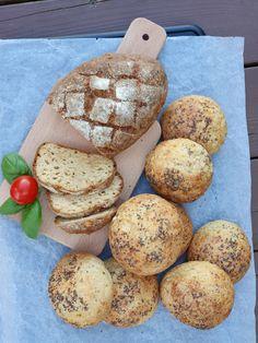Noen ganger er det deilig med et godt brød til maten. Spesielt når vi skal kose oss med skalldyr, en deilig suppe eller andre typiske retter vi pleier å servere med brødmat. Da smaker dette brødet nydelig med godt smør som tilbehør. Denne versjonen er uten nøtter, så den passer fint for de som har Cottage Cheese, Bagels, Food And Drink, Keto, Bread, Breads, Sandwich Loaf