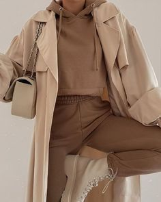 Current Fashion Trends, Fall Fashion Trends, Autumn Fashion, Hot Outfits, Winter Outfits, Fashion Outfits, Fashion Tips, Fall Fashion Skirts, Camel Skirts