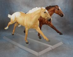 This is the other side of the gamblers choice models you have a fifty percent chance of getting one of the models! Bryer Horses, Horse Games, Clay Cats, Walking Horse, Star Stable, How To Make Clay, Hobby Horse, Horse Sculpture, Horse Photography