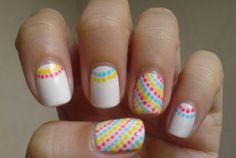 35 Creativos diseños de uñas con puntitos Minimalist Nails, White Nail Art, White Nails, Easy Nail Art, Cool Nail Art, Stylish Nails, Trendy Nails, Pretty Nail Designs, Nail Art Designs