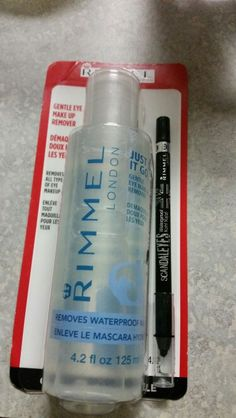 Free full size Rimmel London Gentle Eye Makeup remover and Scandal Eyes waterproof eyeliner. Voxbox sent me these to try for free. Already love the eyeliner and can't wait to use the makeup remover. #Rimmel #FrostyVoxBox