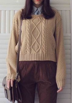 Pullover cable knit sweater//