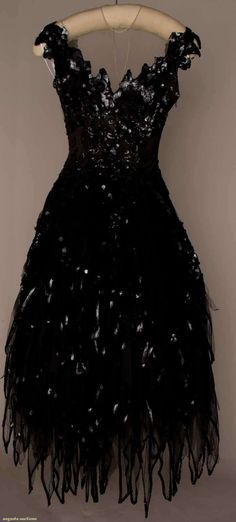 "Howard Greer, Tulle Ball Gown, Fancy ""Little Black Dress""! Moda Vintage, Vintage Mode, Vintage Year, Vintage Gowns, Vintage Outfits, Vintage Clothing, Beautiful Gowns, Beautiful Outfits, 1950s Fashion"