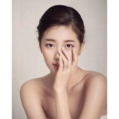 Suzy turns into a stunning bride for 'Didier Dubot' Jung So Min, Beautiful Asian Girls, Beautiful Bride, Korean Beauty, Asian Beauty, Miss A Suzy, Jugend Mode Outfits, Bae Suzy, Latest Albums