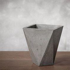 Graue Beton Vase betoniert concrete Betonvase DIY - Jetzt online kaufen auf WWW.PURISD.DE