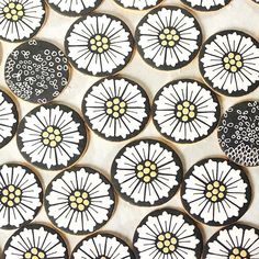 Art Deco daisies and doodles