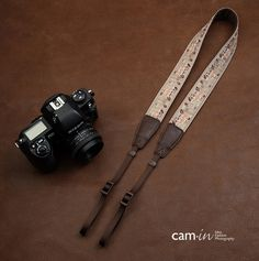 Color : Red Camera Belt Accessory Adjustable Camera Wrist Strap Leather Photography Hand Strap Quick Release Professional DSLR Strap Universal Camera Accessories Durable