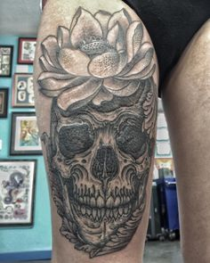 Another fun skull. Half healed half not (why the picture looks a little weird) Thank you. @rockofagestattoo by thomas__hooper