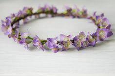 Corona de flores lila. por TheLittleNemo en Etsy