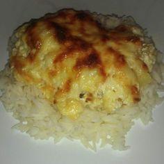 Egy finom Ananászos-tejszínes csirkemell ebédre vagy vacsorára? Ananászos-tejszínes csirkemell Receptek a Mindmegette.hu Recept gyűjteményében! Baked Potato, Potatoes, Meals, Chicken, Baking, Ethnic Recipes, Food, Bulgur, Power Supply Meals