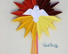 Divino em origami 20 cm diâmetro Diy And Crafts, Crafts For Kids, Paper Crafts, Origami Nativity, Arte Pop Up, Star Wars Origami, Domino Art, Origami Models, Paper Magic