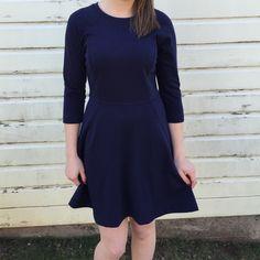 Daisy Fuentes Navy Dress Cute Navy Dress with 3/4 sleeves Daisy Fuentes Dresses Midi
