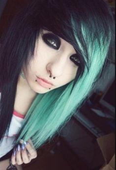 black and turquoise Order your hairdye here: http://www.fantasmagoria.eu/accessories/cosmetics-makeup/hair-color/coloring-balsam